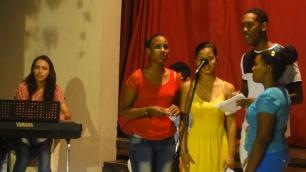 Los jóvenes del taller de música interpretaron una de sus creaciones