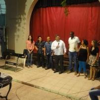 Los profesores detrás de los talleres, junto al padre Álvaro Flores