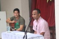 Yunier Riquenes y Carlos Javier Álvarez durante la Tertulia Literaria que cerró la presentación