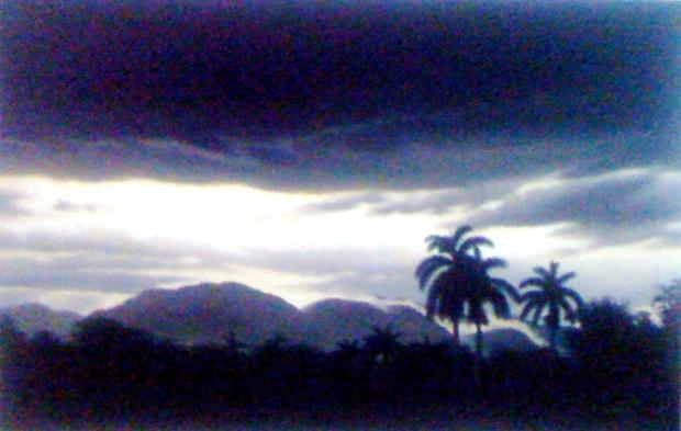 Mientras cae la noche, 2012. Óleo / lienzo, 65 x 100 cm, Col. Nivaldo Carbonell