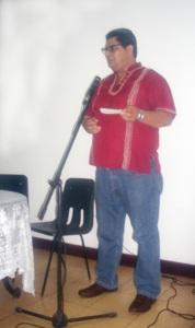 El p. Álvaro Flores dedicò unas palabras en homenaje a Janet Ortìz