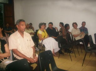 El público a la espera del inicio de la presentación