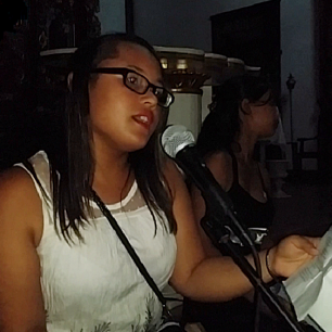 La obra fue acompañada por las voces de los jóvenes del taller de música
