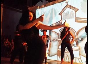 La danza matizó momentos de la obra