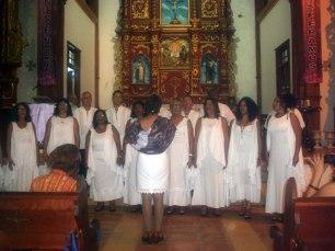 Coro ETECSA en la Parroquia Santísima Trinidad