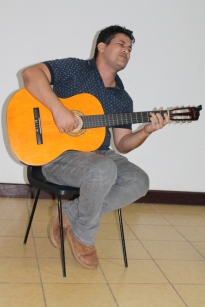 Carlos Javier Álvarez amenizó con sus canciones