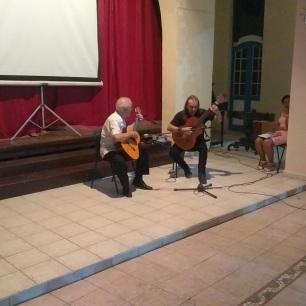 El P. Catasús y el guitarrista concertista Aquiles Jorge